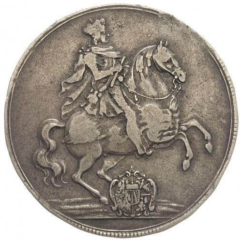 talar wikariacki 1711, Drezno, Aw: Dwa stoły z insygnia...