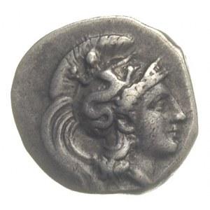 drachma ok. 302-280 pne, Aw: Głowa Ateny w hełmie udeko...
