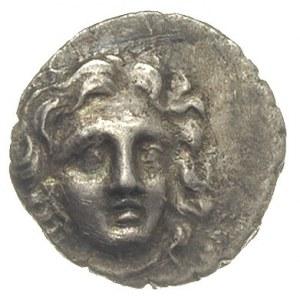 drachma ok. 205-188 pne, Aw: Głowa Heliosa trzy czwarte...
