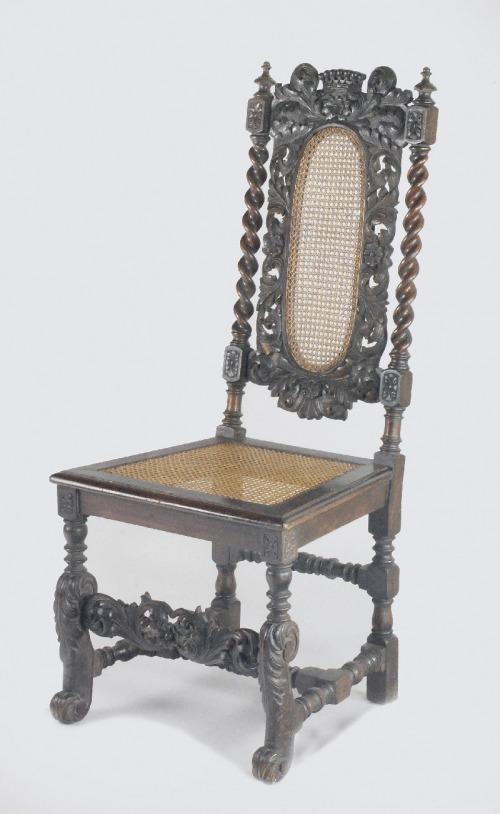 Krzesło neobarokowe