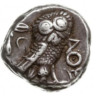 tetradrachma ok. 350-300 pne, Aw: Głowa Ateny w hełmie ...
