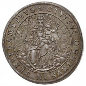 talar 1625, Monachium, Aw: Czapka książęca nad czteropo...