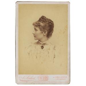 Awit SZUBERT (1837-1919), Portret młodej kobiety, ok.1890