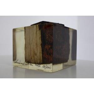 SUROWIEC ŁUKASZ, Przedwojenna drewniana kostka podłogowa z pomieszczeń dawnej fabryki Oskara Schindlera, 2015, ed. 28/100