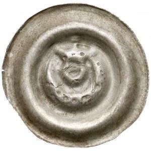 Śląsk, Brakteat szeroki - głowa w koronie nad półksiężycem