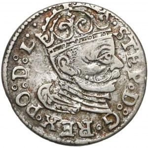 Stefan Batory, Trojak Ryga 1583 - ozdobny naramiennik