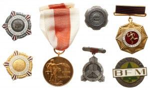 Medale, odznaki i nagrody PRL z legitymacją (7szt)