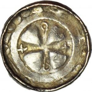 Denar krzyżowy XIw., odmiana z pastorałem pomiędzy ramionami krzyża