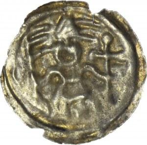 RR-, Brakteat nieokreślony XIIIw., Biskup w mitrze z krzyżem i proporcem