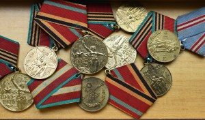 Russia, Set of decorations