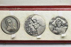 PRL, zestaw 3 imponujących srebrnych medali