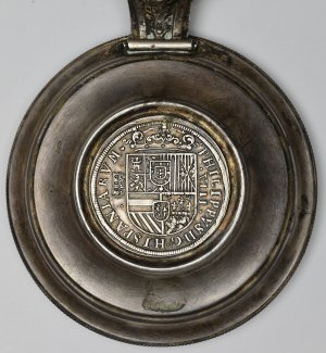Spain, 8 reales 1586 - tankard lid finds from Peringel (Latvia) 1873