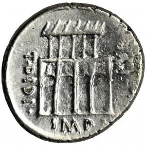 Roman Republic, P. Fonteius P. f. Capito, Denarius - RARE