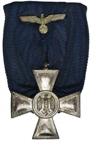 Niemcy, III Rzesza, Medal za Długoletnią Służbęw Wermachcie - Szpanga z medalem za 18 lat służby