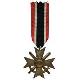 Niemcy, III Rzesza, Zestaw - Krzyż Zasługi Wojennej 2 Klasy (z mieczami i bez mieczy) oraz medal
