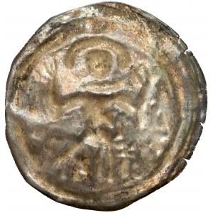 Henryk I Brodaty / II Pobożny, Brakteat ratajski - postać z uniesionymi dłońmi