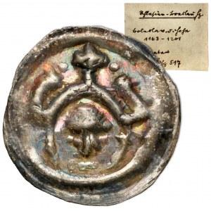 Henryk I Brodaty / II Pobożny, Brakteat ratajski - głowa pod wieżami - rzadki