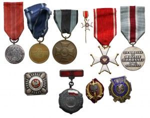 PRL, zestaw odznak i odznaczeń (10szt)