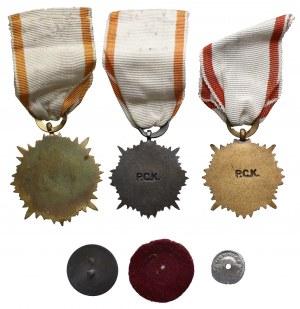 PRL, Polski Czerwony Krzyż PCK - zestaw krzyży i odznaka (4szt)