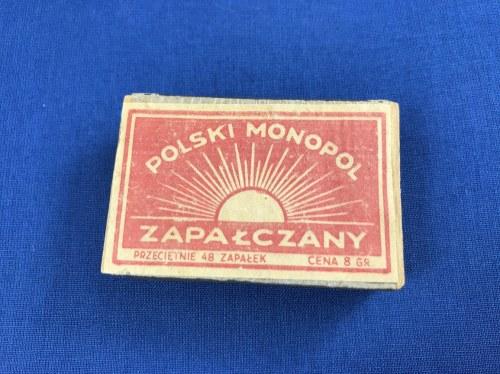 """[Oryginalne przedwojenne zapałki] Pudełko z ok 48 zapałkami z napisem """"Polski Monopol Zapałczany"""" . Lata 1925-1939. Pudełko wym. 5,5 x 3,5 cm."""
