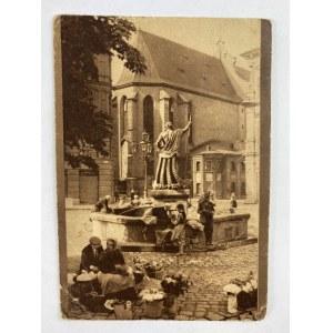 Karta pocztowa Lwów Studnia z Neptunem w Rynku