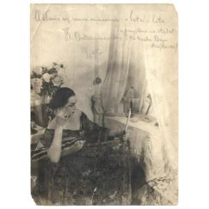 [ORDONÓWNA Hanka]. Odręczny podpis artystki na zdjęciu, [nie po 10 VI 1925].