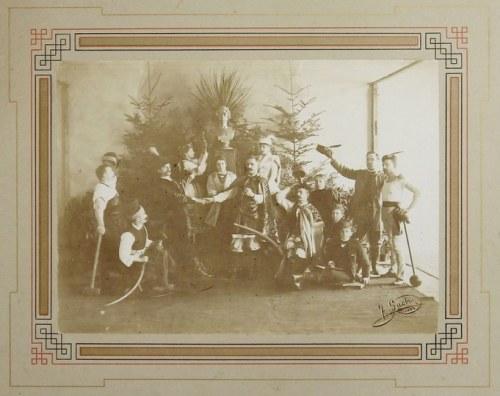[FOTOGRAFIA w typie żywego obrazu - Pogodzenie się stanów w Polsce]. 1892. Fotografia form. 13,...