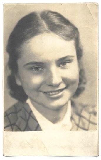 HERMANOWICZ Henryk - [Fotografia portretowa niezidentyfikowanej Marysi]. [1937]. Fotografia form. 13,2x8,...