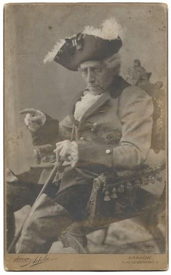 [SOLSKI Ludwik - jako Fryderyk Wielki w sztuce Fryderyk Wielki A. Nowaczyńskiego - fotografia sytuacyjna]. [1910]...
