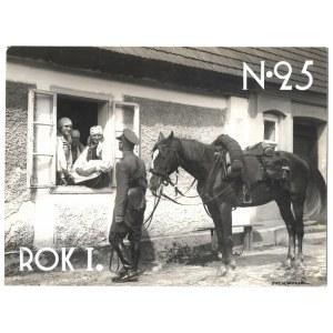 [WOJSKO Polskie - Panienki w okienku - fotografia sytuacyjna]. [28 VIII 1928]. Fotografia form. 16,...