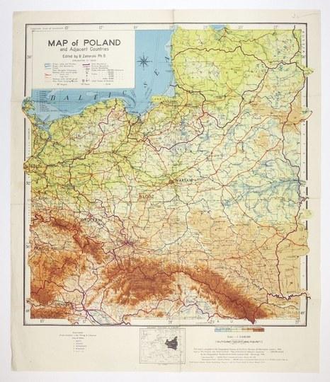 [POLSKA]. Map of Poland and Adjacent Countries. Mapa barwna form. 52,5x48,8 na ark. 62,8x53,...