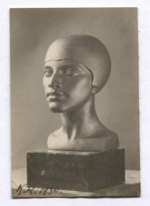 [RONCZEWSKI(Rączewski) Konstanty, rzeźbiarz]. Zbiór 12 fotografii dokumentujących rzeźby Konstantego Ronczewskiego oraz...