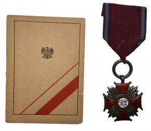 Srebrny Krzyż Zasługi RP 1946 z legitymacją