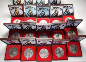 19 srebrnych medali 1989-1995 (Ag925, 70 mm) z serii Żołnierzom Polskim Drugiej Wojny Światowej