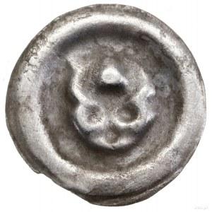 Brakteat, XIII–XIV w.; Schematyczna głowa wołu na wpros...