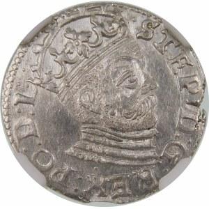Stefan Batory, Trojak 1585, Ryga – mała głowa, rozety