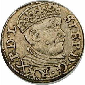 Stefan Batory, Trojak 1585, Ryga – mała głowa, lilie – EN