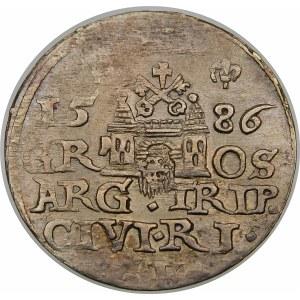 Stefan Batory, Trojak 1586, Ryga – mała głowa, bez krzyżyka