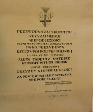 [Piłsudski Józef] - Dyplom nadania Krzyża Niepodległości za pracę w dziele odzyskania niepodległości dla Albina Tadeusza Mateusza Bonawentury Bobaka, z dnia 19. XII. 1933 r.