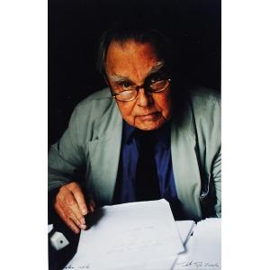 Judyta PAPP (ur. 1977), Czesław Miłosz przy pracy w domu w Krakowie, 2001