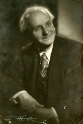 Edward Hartwig (1909-2003), [fotografia, 1946] portret Emila Zyglera