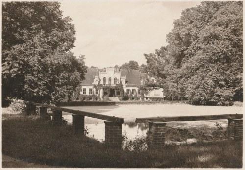 WEJHEROWO. Zdjęcie pałacu Keyserlingków, wcześniej należącego Przebendowskich, dziś siedziba Muzeum ...