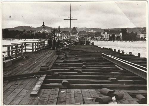 SOPOT. Zestaw 2 zdjęć mola, jedno w trakcie prac remontowych ok. 1925; wym.: 170x120 mm; stan db.