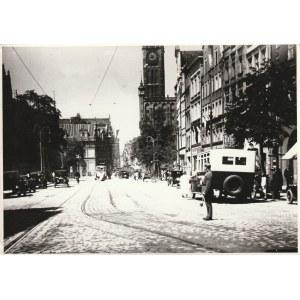 WOLNE MIASTO GDAŃSK. Zestaw 19 zdjęć stanowiących swoisty fotoreportaż z wycieczki do Wolnego Miasta ...