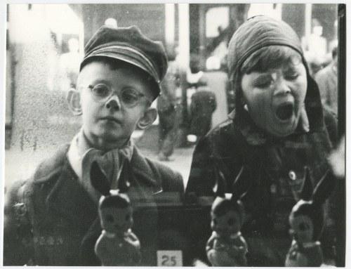 fot. artystyczna 15. RYDET Zofia - Z cyklu Mały człowiek 1960/2012