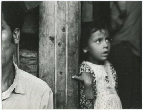 fot. artystyczna 16. RYDET Zofia Z cyklu Mały człowiek 1959/2012
