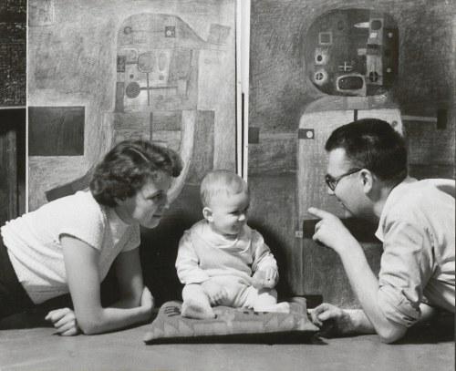 fot. artystyczna 30. LEWCZYŃSKI Jerzy - Portret rodziny Z. Beksińskiego [1959]