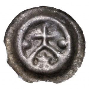 Zakon Krzyżacki, brakteat krzyż na łuku - gwiazda, kule po bokach, rzadki