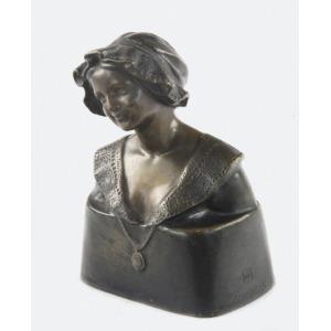 Peter TERESZCZUK (1875-1963), Popiersie dziewczyny w czepku