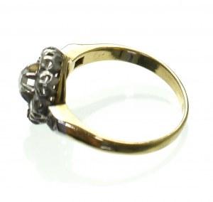 Europa, pierścionek z rozetami
